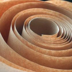 Rouleau de papier kraft brun
